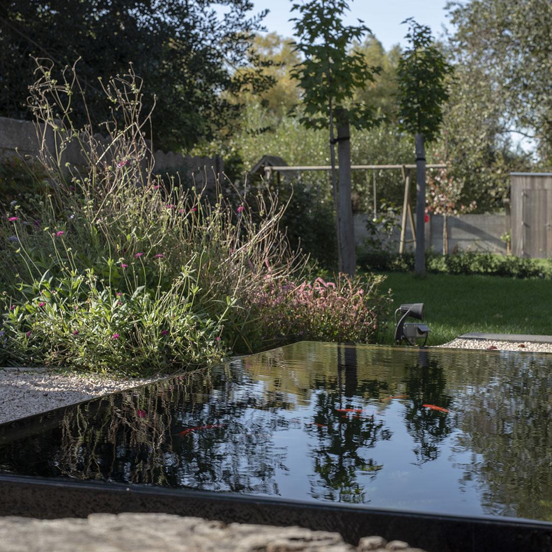 Tuinontwerpen voorbeelden spiegelvijver co for Tuinarchitect gent