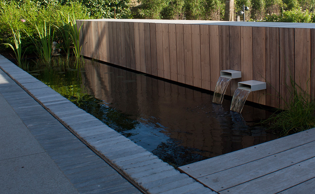 Vijver aanleggen door tuinarchitect stefaan willems for Waterpartij in de tuin