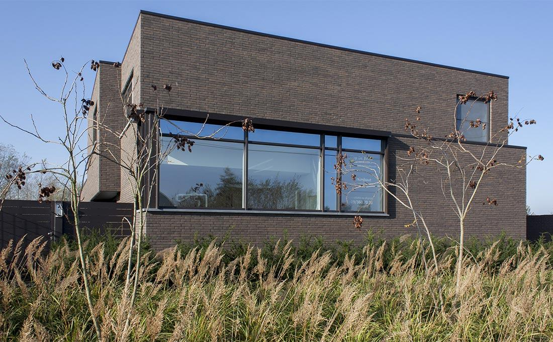 138-kleiklinkers-vandemoortel-eccogravel-haagblok-grassen-modern-graniet-voortuin-hersft-51.jpg