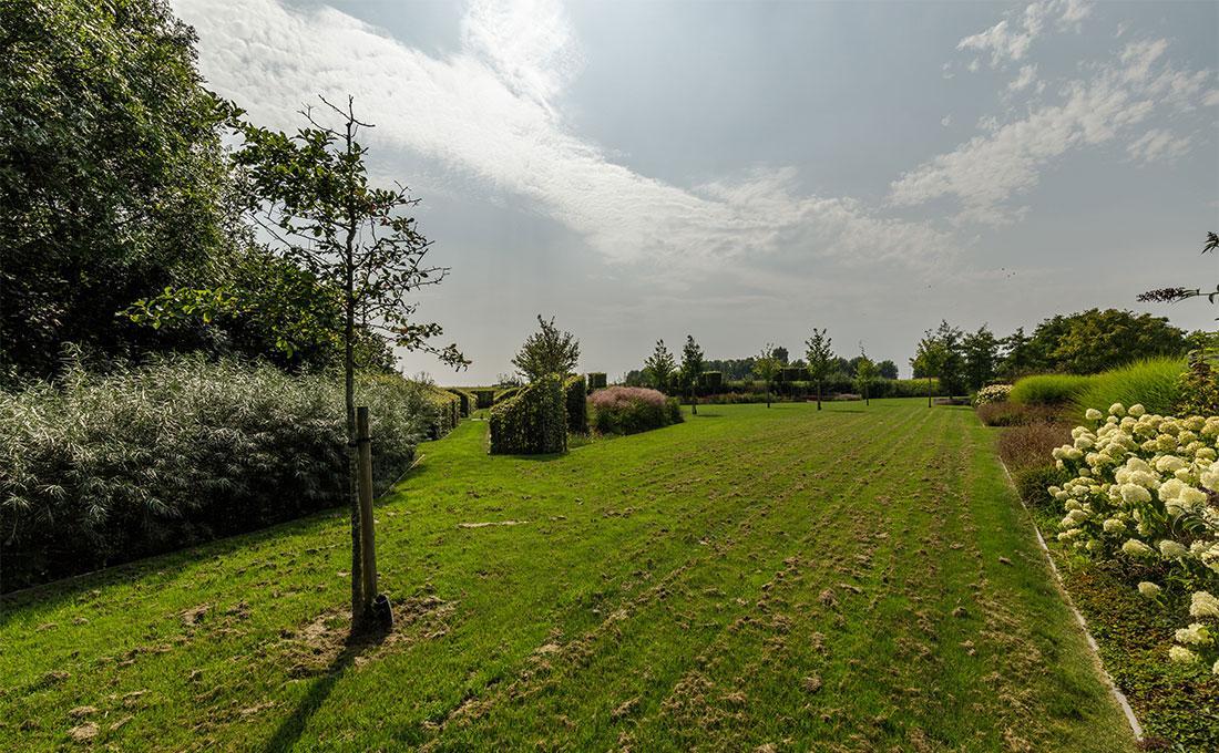 141-parktuin-grotetuin-rozentuin-topiary-geschoren-haagstructuur-hagen-23.jpg