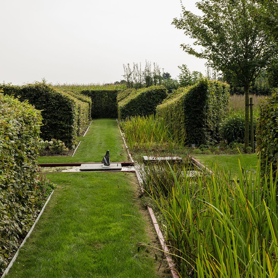 141-parktuin-vijver-water-grote-tuin-loopbrug-prairie-vasteplanten-spruyt-51.jpg