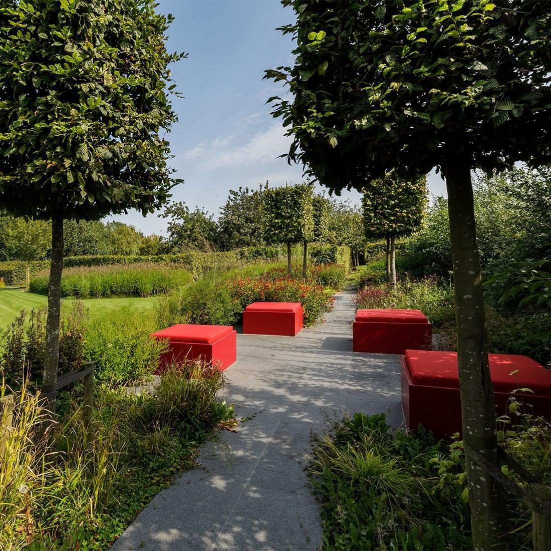 141-parktuin-vijver-water-grote-tuin-loopbrug-prairie-vasteplanten-spruyt-61.jpg