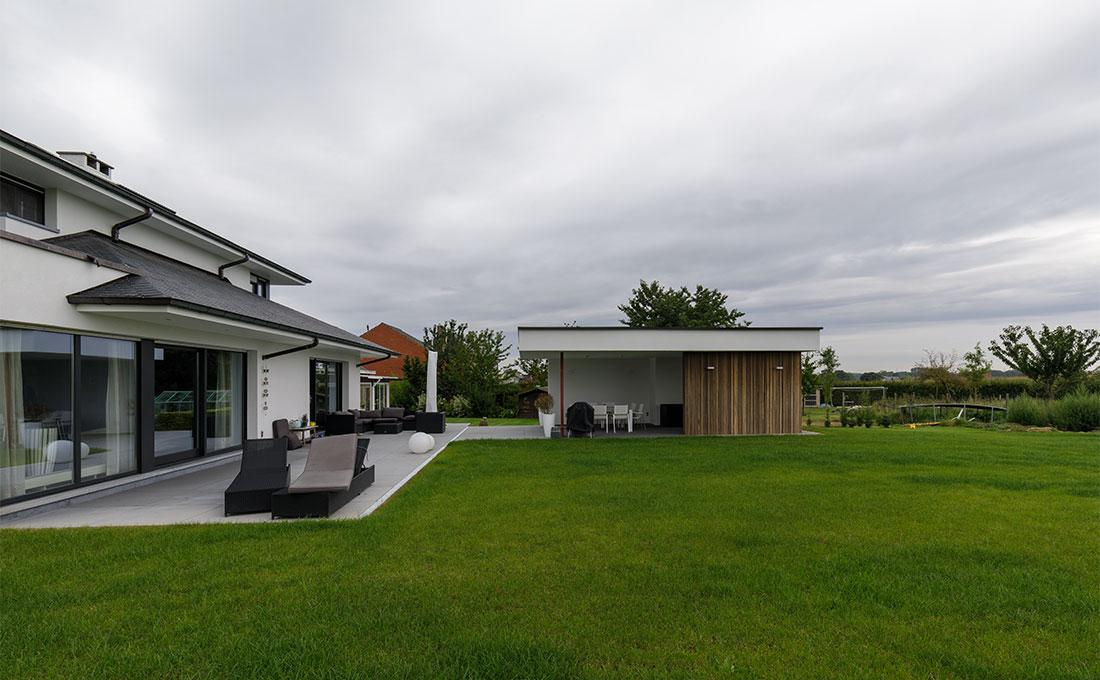 142-buitenkeuken-overdekt-terras-lounge-natuurlijk-tuin-modern-strak-71.jpg