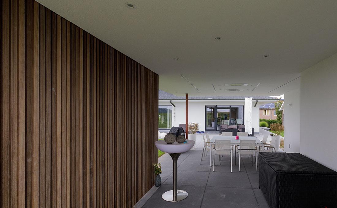 142-buitenkeuken-overdekt-terras-lounge-natuurlijk-tuin-modern-strak-74.jpg