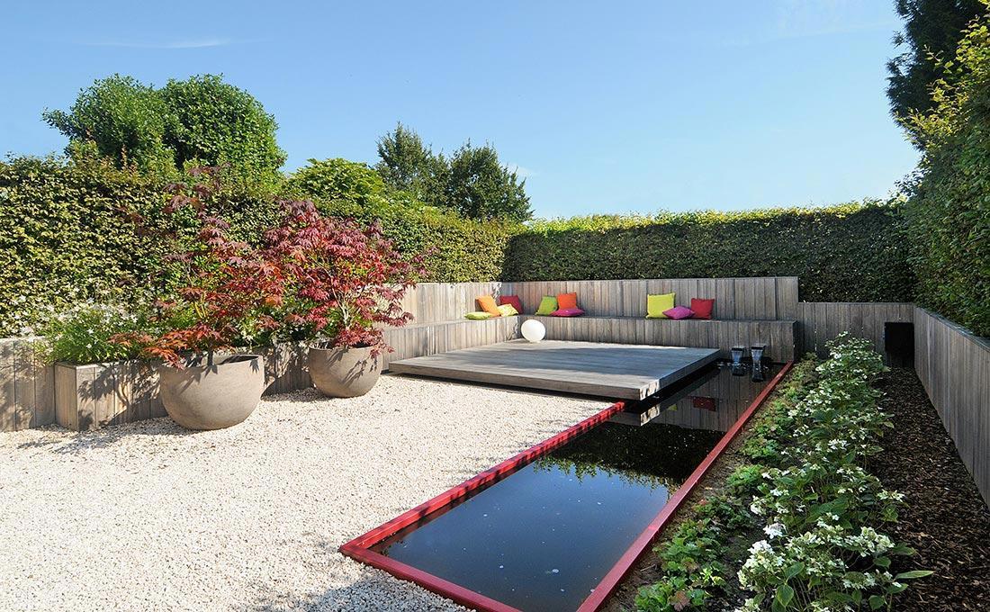 155-waterpartij-foscarini-egg-rood-accent-modern-fontein-padouk-zitbank-atelier-vierkant-50.jpg