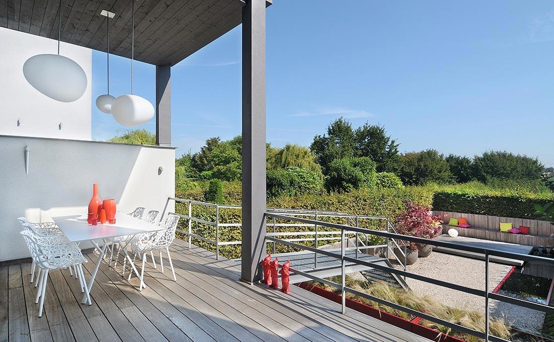 155-waterpartij-foscarini-egg-rood-accent-modern-fontein-padouk-zitbank-atelier-vierkant-52.jpg