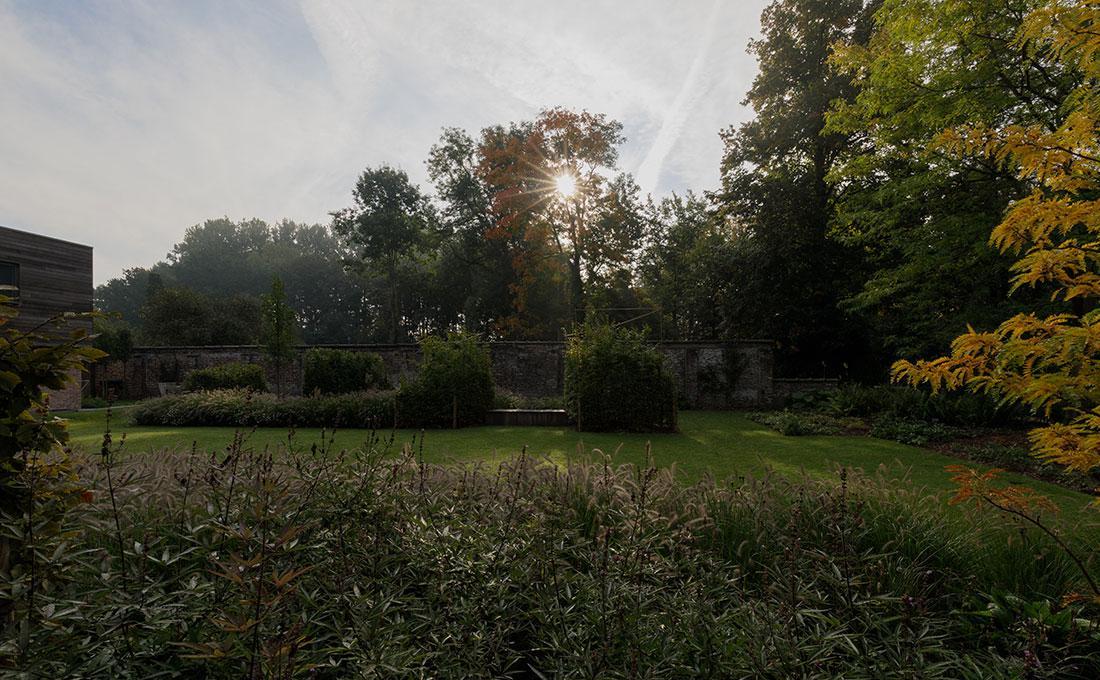 177-kasteeltuin-villatuin-multibat-topiary-carpinus-fagus-oprijlaan-natuur-natural-tuinarchitect-tuinontwerp-62.jpg