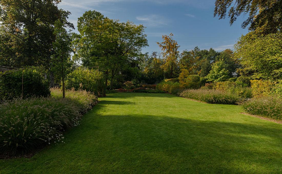 177-kasteeltuin-villatuin-multibat-topiary-carpinus-fagus-oprijlaan-natuur-natural-tuinarchitect-tuinontwerp-78.jpg