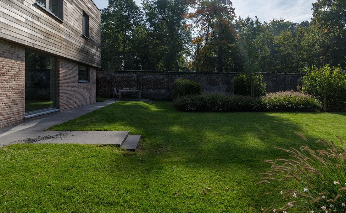 177-kasteeltuin-villatuin-multibat-topiary-carpinus-fagus-oprijlaan-natuur-natural-tuinarchitect-tuinontwerp-79.jpg