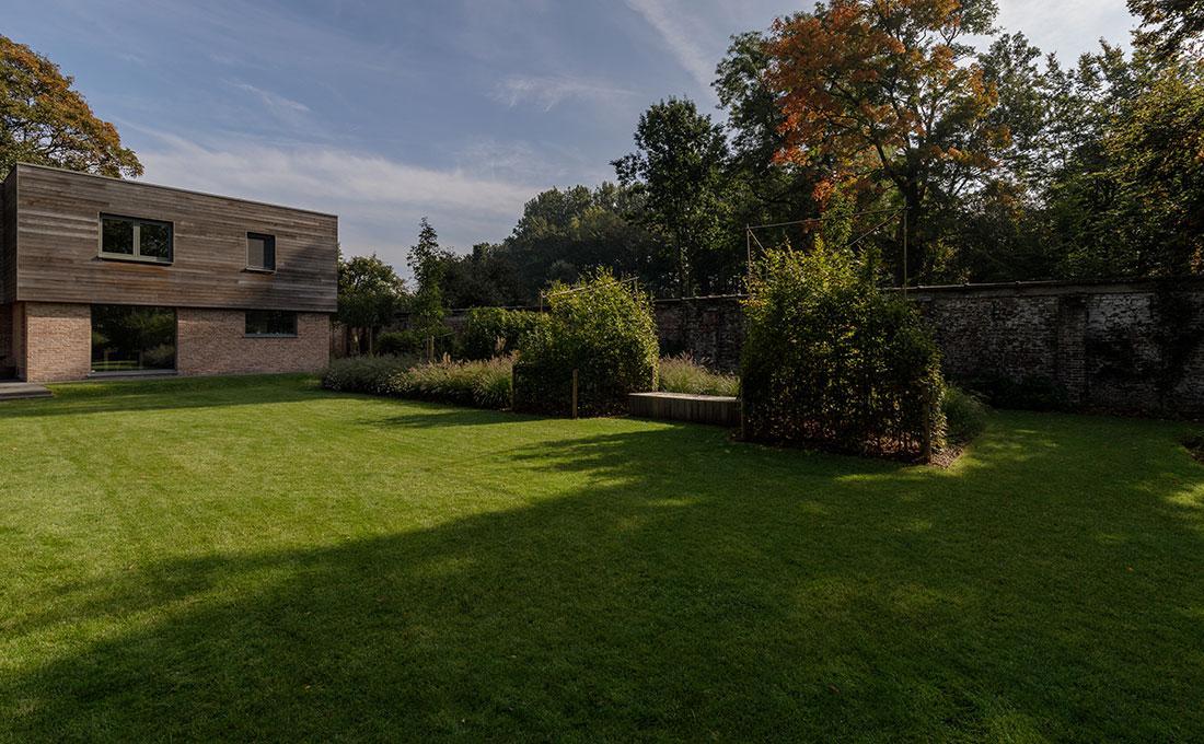 177-kasteeltuin-villatuin-multibat-topiary-carpinus-fagus-oprijlaan-natuur-natural-tuinarchitect-tuinontwerp-81.jpg